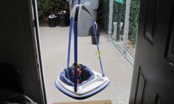 Graco Bumper Jumper, a type of jumper that has a tray and padded seat, comes with two toys to play that are attached to jumper. Can be used in any doorway with molding. Great for older babies. Good condition.