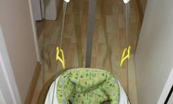 FEATURES: For children from 5.5 to 25 lbs. (Child must be able to hold head upright unassisted) Removable, washable seat pad: high-back nylon seat pad is removable and machine washable Non-twist straps: plastic dome keeps straps apart to simplify getting