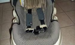 Graco Infant Car Seat with Base Expires in December of 2014 Very well taken care of, in great shape and no car accidents Asking $45.00 Pick up in Cochrane