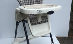 Height & back have different settings, one tray removes easily for cleaning, only used at Grandparents House.