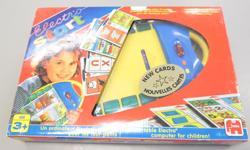 Jeu électronique avec toutes ses fiches (couleurs, chiffres, lettres, etc) $25.00 Berceau pour poupée Little Tikes $10.00 Jeu de mémoire Le petit Prince $5.00 Cherche et trouve de Caillou $5.00 Petits casse-tête de bois $2.00 pour les trois Grands
