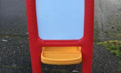 Kids easel with blackboard on one side and whiteboard on other, good for toddlers. Asking $5.