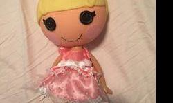 Lalaloopsy doll in a great condition. Pet smoke free home. Plz see my other ads for more kids items de items. Serious inquiries and pick up only. 20$ both