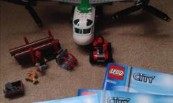Includes 3 minifigures and accessories. In excellent condition. From a smoke free and pet free home