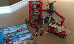 In excellent condition. Includes all minifigures and accessories and manuals. From a smoke free and pet free home