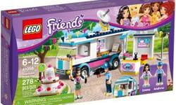 Kids will love breaking the big story of the world's best cake with this LEGO Friends Heartlake News Van. Children can use the Emma and Andrew mini-doll figures to find the cake and film it with the camera and then climb into the editing suite and get it