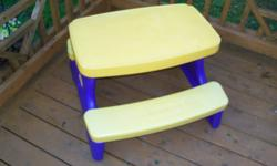 LITTLE TYKES TABLE   GREAT FOR INDOOR PICNICS THIS WINTER OR TO DRAW AND PLAY ON!   $20