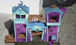 matchbox haunted house with plastic car mat - $6
