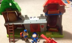 Mike the knight castle/eehouse playset. Comes with Mike the knight, horse, catapult and more.