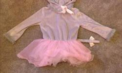 Super cute! Perfect for Halloween or your dress up box! fits 4-small 6