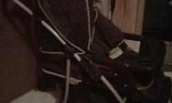 Great walking stroller, large wheels One-handed folding Baby can face away or face you Storage bin underneath baby Can be seated position or flat foot cover to help keep your baby warm! (see second pic) some fading in fabric from use, but in great shape