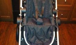 brand new city select,the stroller that does all. not at all used taken out of box and put together.Have reciet.16different combinations http://www.youtube.com/watch?v=sdeMgSm-xe0