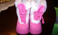 The Children's Place size 5 winter boots.They are pink with white fur,side zipper ,and a front lace up.These were purchased last year for my daughter to wear this year but they are to small.They were reg $24.50 but I got them on sale for $10.00.
