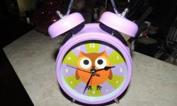 """Silent sweep. NO TICK TOCK SOUND Alarm sound: Whoo Whoo Whoo. Size: 7""""H, 4""""D Clock Face."""