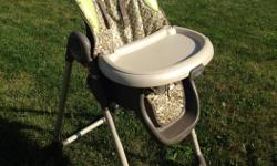 Mint condition, double tray (removable), legs fold together, wheels with locks, great deal!
