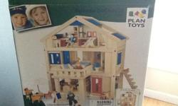 PLAN TOY Terrace doll house. Excellent condition