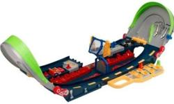 Experience the thrill of the chase with this Playskool Speedstars Half Pipe Highway set. Help the police car pursue and capture the street racer over the dangerous unfinished loop of highway. Catch the street racer car with your roadblock net, but time it