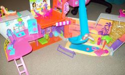 Polly Pocket So Hip Cruise Ship comes with about 65 pieces and 3 polly friends. Ship has rock climbing, a water slide, a store, a juice bar, 3 beds, 2 pools and deck space. Good condition.