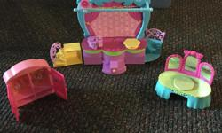 Gently used Polly Pocket Sets