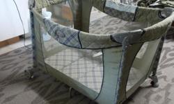 portable crib/playpen like new