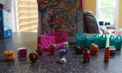 38 shopkins, grocery display and puzzle 20$ obo