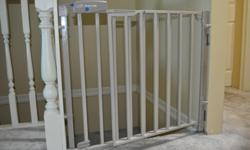 Evenflo Secure Step Stair Gate. Solid yet lightweight. Coated metal tube frame. Very good condition.