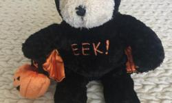 This little guy is the 27th edition Bearista plush, made by Starbucks for Hallowe'en 2003. Tag is still on and it's in like new condition. Cool collector piece or even just a Hallowe'en cuddle-buddy! n/s, n/p home.