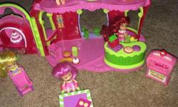 Four dolls Grocery store and bakery items Lots of food Etc X-posted
