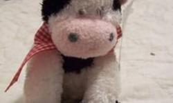 NEW Super cute stuffed cow toy.  Nice quality (not a cheap one) Great for the cow lover or little onein your life!  Only $3.00! ****Please see my other ads. Multi-item purchase discount available.****