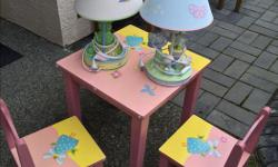 Good condition table with 2 chairs and 2 bed side lamp.