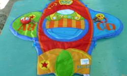 THE FIRST YEARS HAPPY FLYER TUMMY TIME.