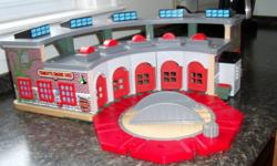 Thomas Tank Engine Roundhouse and turntable, like new. Kids never used it.