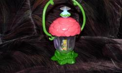 My daughter is getting rid of a few things she doesnt use anymore. A Tinkerbell puffy purse. A Tinkerbell night light that talks and lights like a lantern.A cat in a crate. A leather Princess purse and a treasure box with a mirror inside. all for $20.00.