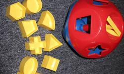 Tupperware Classic  -  rattle, shape-sorter and counting toy!