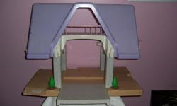 Vintage Little Tikes Dollhouse Front porch pulls out All in excellent pre-owned condition See pictures for details