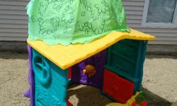 (((( I need the space. Make me a reasonable offer )))) Playhouse. Very good condition. Complete.