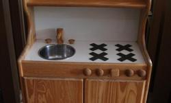 Little Denver wooden play kitchen by Little Colorado. This beautiful kitchen is the perfect addition to your children's play space. Located in the Highlands District of Victoria. Call or email today!