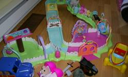 Furry Frenzy Track & 4 Zhu Zhu Pets and accessories. Clean and gently used.  Retailed $90 for track, hamsters, accessories. $40 Make an offer... great Christmas present